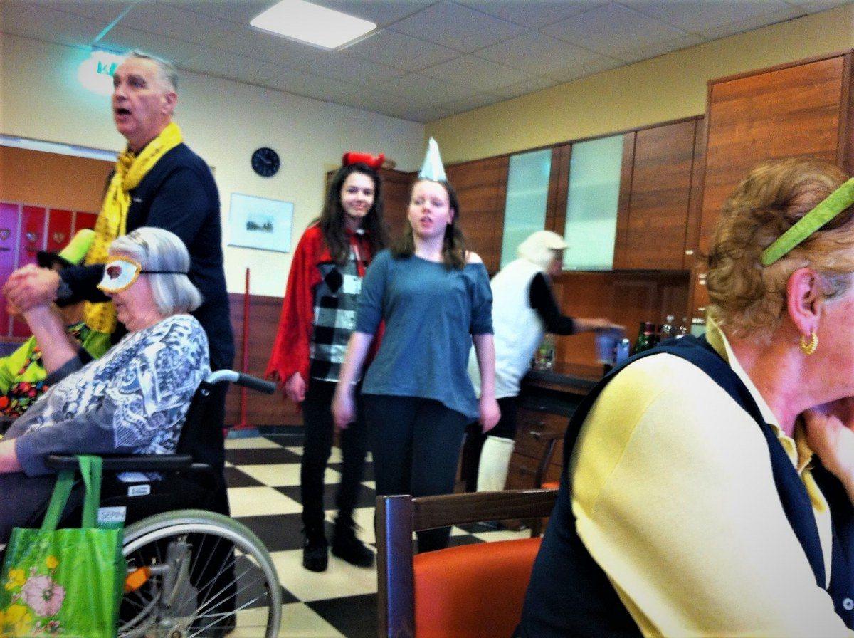 Senioren kennenlernen aus grbming. Partnersuche ab 50