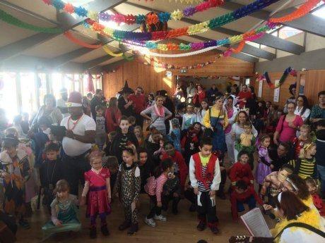 Bild: Kinderfasching in St. Theresia