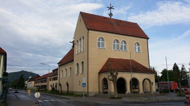 Bild: Pfarrkirche Klagenfurt-St.Josef-Siebenhügel
