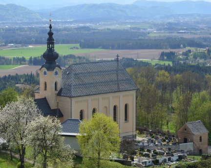 Bild: Pfarrkirche St. Peter am Wallersberg/Št. Peter na Vašinjah