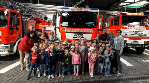 Bild: 122 Feuerwehr herbei …
