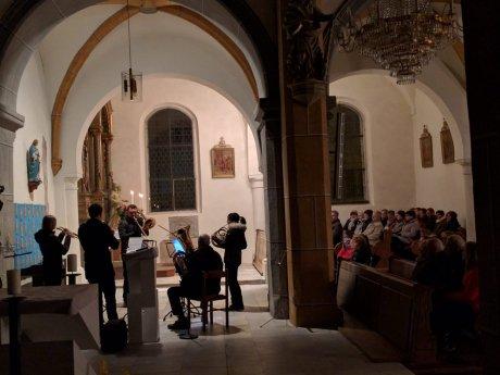 Bild: Valentinstag in der Markuskirche