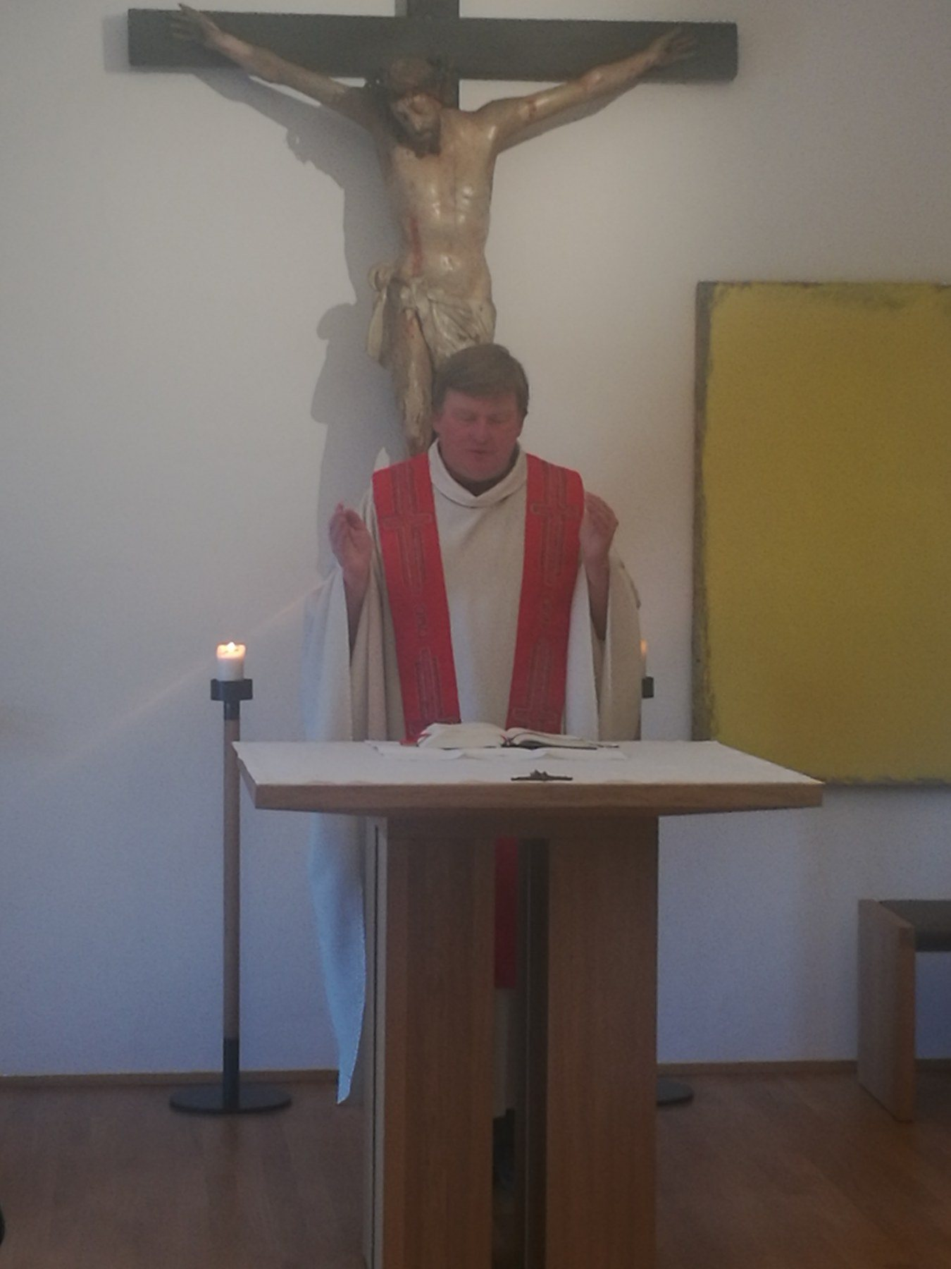 Kreuz gefesselt ans Ans Kreuz