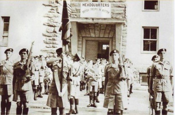 Militärparade der britischen Armee vor dem Headquarter in der Tarviser Straße 1950- Foto: Diözesanarchiv
