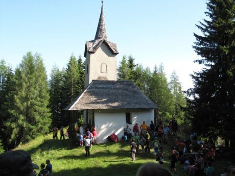 Bild: Wallfahrt auf den Matzenberg / Romanje na Macno goro
