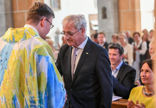 Bild: Dankgottesdienst für Bürgermeister Hans-Peter Schlagholz: überparteiliche Herzlichkeit der großen Wolfsberger Familie