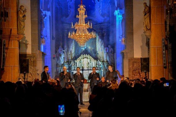 """Bild zum Eintrag 'Zwei Galakonzerte mit der CD-Präsentation """"Hoffnung. Das Projekt"""" mit über 500 Zuschauer in der Markuskirche'"""
