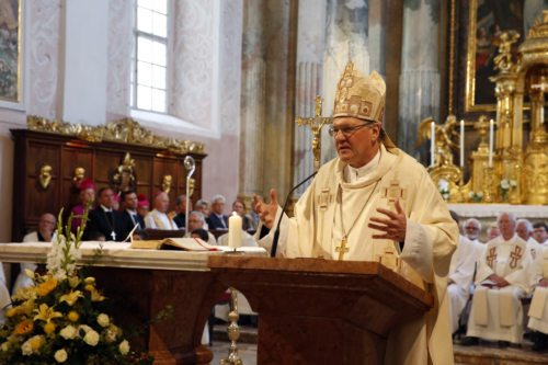 Bischof Alois Schwarz beim Dankgottesdienst im Dom zu Klagenfurt - Foto: Pressestelle/Höher