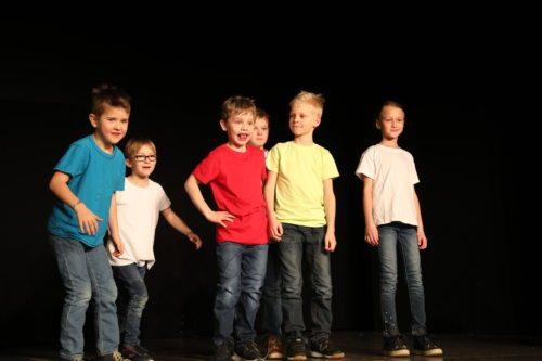 Mladi gledališčniki v Šmihelu (Opetnik)