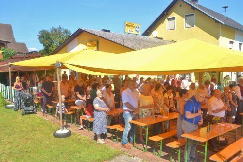 Hl. Messe beim Dorffest in Pudlach • Sv. maša ob vaški veselici v Podlogu (Foto: OStR Mag. Karl Pölz)