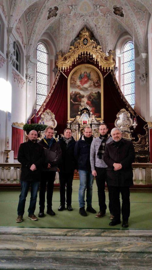 Exerzitiengruppe in Maria Luggau mit P. Thomas Neulinger SJ. (Johannes Broser)