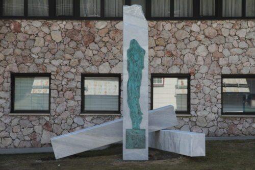 Spomenik 42. žrtvam nemškega nacionalnega socializma v občini Sele. (© Foto: zp)