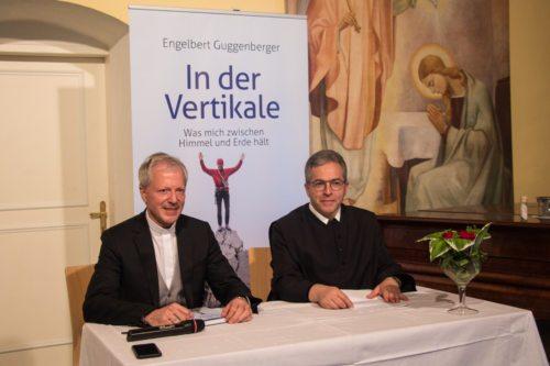 Generalvikar Dr. Engelbert Guggenberger und Bischofsvikar P. Dr. Gerfried Sitar (© Foto: Johannes Lehrbaum)
