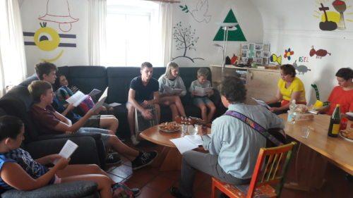 Start in den Tag im Jugendraum Ferlach (© Foto: Mag. Ulrich Kogler)