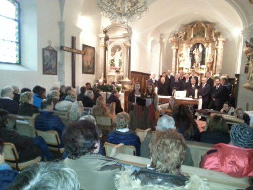 Adventsingen in der Kirche Schiefling (© Foto: CS)