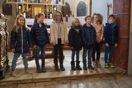 Erstkumunikationskinder vin links nach rechts:Paulina Marie, Leona Marie, Anna,Isabella,Konstantin, Rosa, Florian Lukas, Foto: Norbert Cech