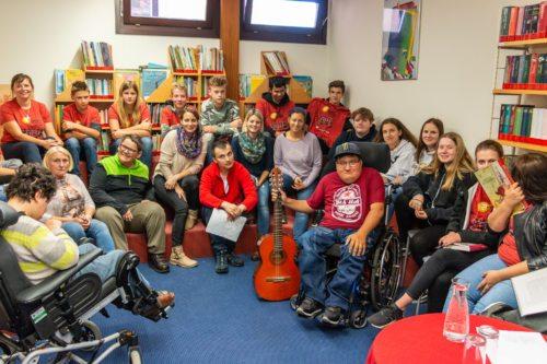 SchülerInnen, KlientInnen und BetreuerInnen der HLW Hermagor und der AVS Tagesstätte Hermagor (Foto: Glabatsch)