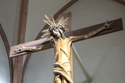Kruzifix von Peter Sellemond (Foto: Georg Brandstätter ea)