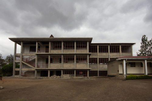 Neues Schulgebäude im Entstehen (Direktorat, Sekretariat, Festsaal, Bibliothek) (© Foto: Prokop)