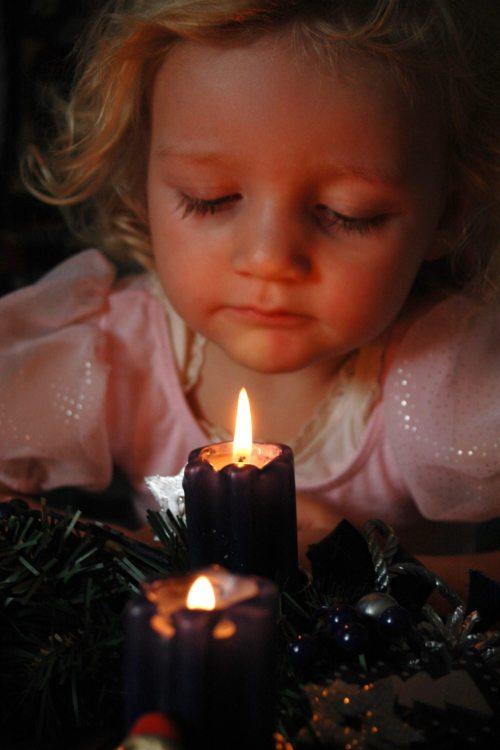 Der Adventkranz ist das bekannteste Symbol der Adventzeit. Foto: Pressestelle/Begsteiger