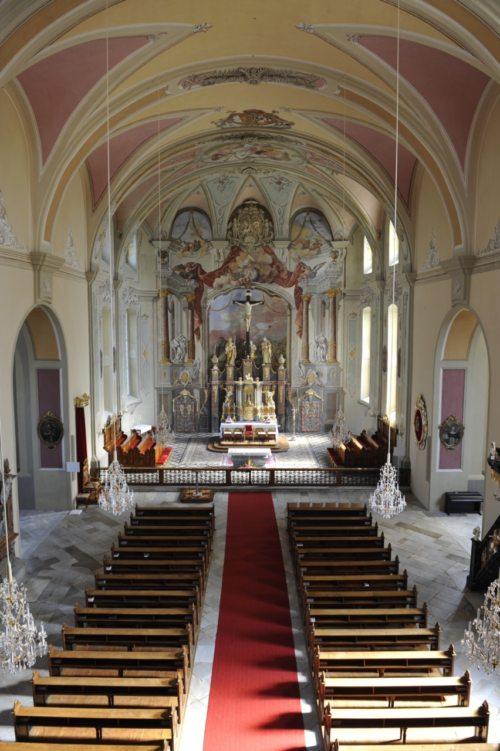 Basilika Innen (© Foto: Pfarre St. Andrä)