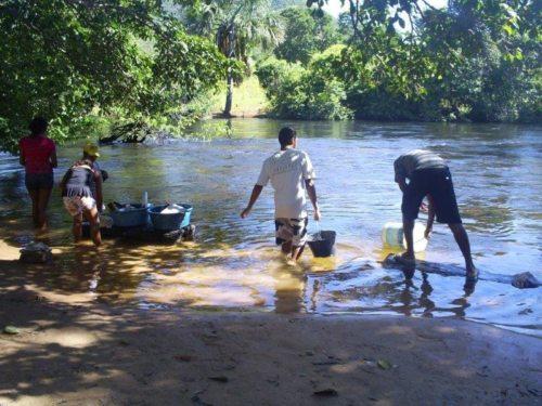 Der Fluss im Alltag der Menschen des Cerrado (© Foto: 10envolvimento, Martin Mayr)