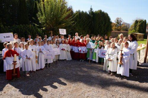 Ministrantinnen und Ministranten aus dem ganzen Lavanttal mit ihren BegleiterInnen (© Foto: KJ Lavanttal)