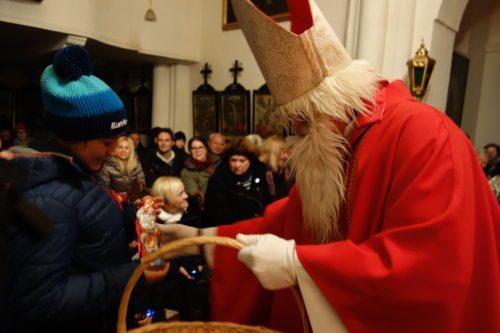 Der Heilige Nikolaus hat auch auf dem Sternberg seine Gaben verteilt. (© Foto: e)