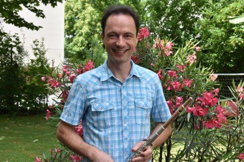 Učitelj na Slovenski glasbeni šoli (Foto: Nedelja)