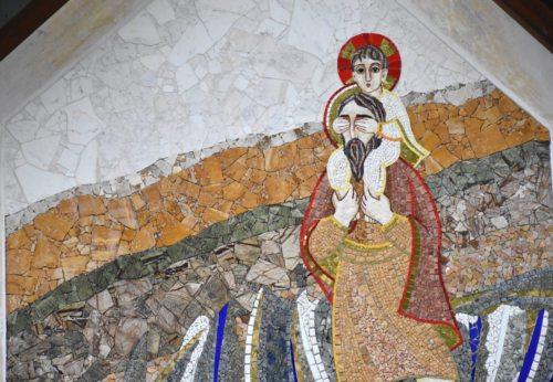Rupnikov mozaik sv. Krištofa v Št. Petru na Vašinjah (foto: Rihter)