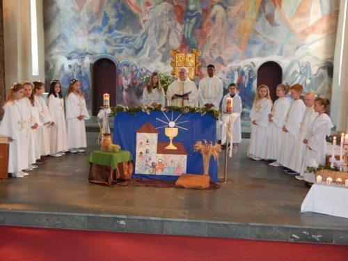 Erstkommunionfeier in St. Leonhard Foto: DI Helmut Themesl