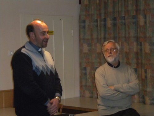 predavatelj mag. Johannes Staudacher in domači župnik mag. Elmar Augustin (© Foto: slika: cm)