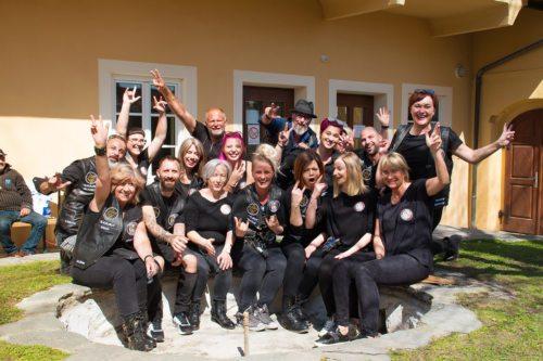 "Die ""Barber Angels"" sind einsatzbereit (Foto © Caritas / Herbert Wieser)"