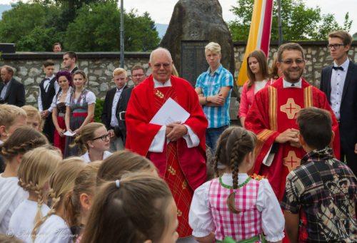 Pater Mag. Maximilian Krenn OSB (rechts) und Pfarrer GR Mag. Helmut Mosser (© Foto: Mag. Bernhard Wagner)