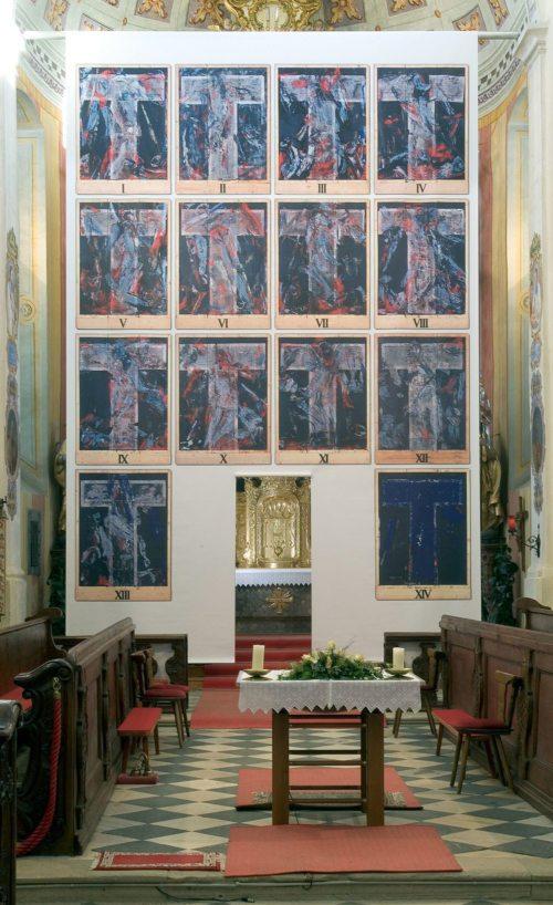 Fastentuch von Valentin Oman in der Pfarrkirche Latschach/Loče (© Foto: Pfarre Latschach / Neumueller)