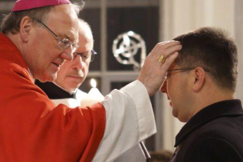 Bischof Schwarz sendet Primož Prepeluh in den pastoralen Dienst (© Foto: Georg Haab)