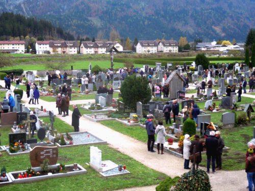 Allerheiligen auf dem Stadtfriedhof Hermagor