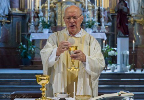 Doxologie am Ende des Eucharistischen Hochgebetes (© Foto: Mag. Bernhard Wagner)