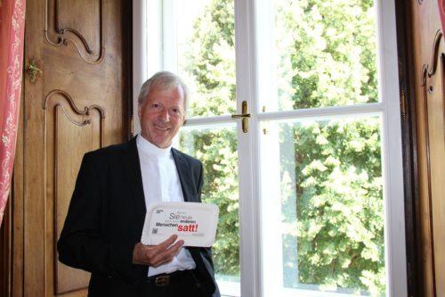 """Diözesanadministrator Dr. Engelbert Guggenberger zur Caritas-Aktion """"Glocken gegen den Hunger"""", Foto: Caritas-Pressestelle"""