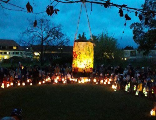 Lichterkinder bringen Freude (Pfarrkindergarten St. Marienheim)