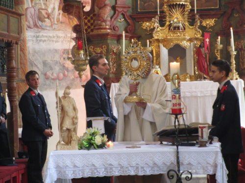 Floriani Messe in Pölling: Florianijünger als Ministranten