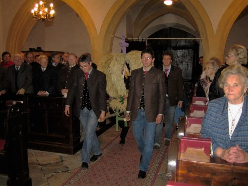 (© Foto: foto:pfarre brückl_Erntedankfest 2005)