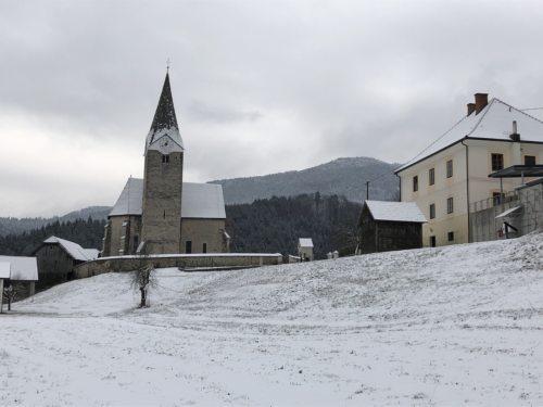 Pfarrkirche Neuhaus • Farna cerkev Suha