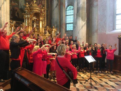 Schwungvolle musikalische Gestaltung des Gottesdienstes im Dom (© Stadtpastoral/Binder)