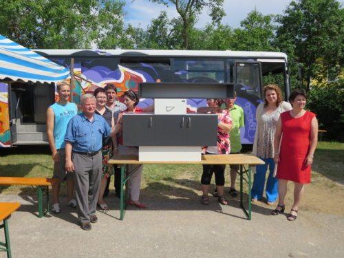 PGR Team mit der Gewinnerin des Hauptpreises - Greti Kraiger (rechts) (© Foto: privat)