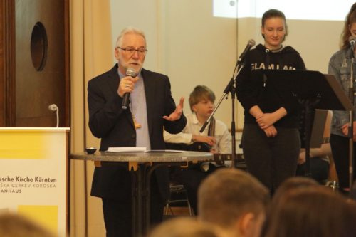 Škof Marketz je mladini pripovedoval o teologiji (Kapeller)