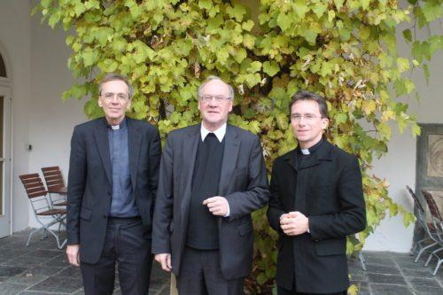Der Referent Dr. Michael Schneider, Bischof Alois Schwarz und der neue Subregens Dr. Richard Pirker (© Foto: Sedlmaier)