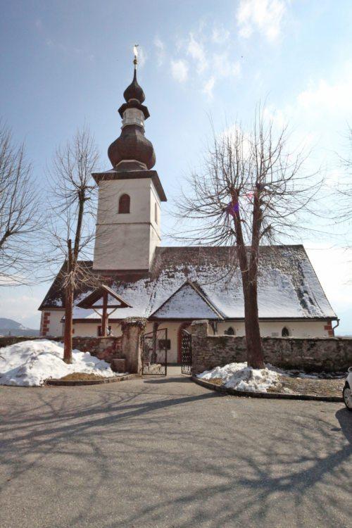 Pfarrkirche Nordansicht (© Foto: W. Meisterle)