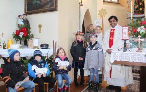 skupinska slika zborov (© Foto: NO)