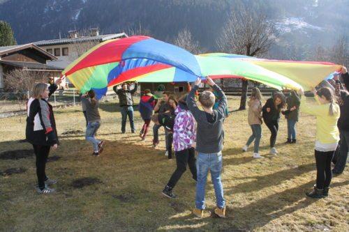Kennenlernspiele brechen das Eis (© Foto: Katholische Jugend Kärnten)